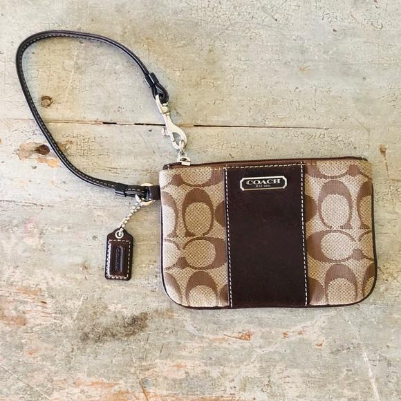 Coach Handbags - ♥️ Coach ♥️ Brown Signature Wristlet